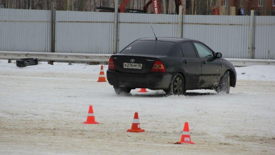 Воронежские автомобилисты завоевали «серебро» и «бронзу» в соревнованиях по автослалому