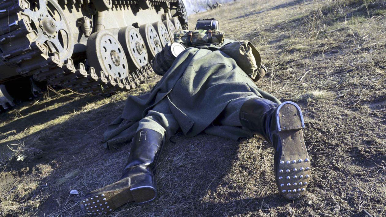 Последний бой командира Соловьева. Как реконструкторы показали подвиг воронежского воина