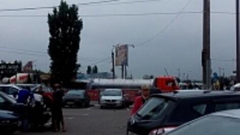 В Воронеже автоцистерна сбила мужчину на «зебре»