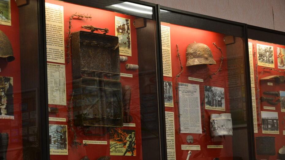 Поисковики передали в школьные острогожские музеи экспонаты времен ВОВ