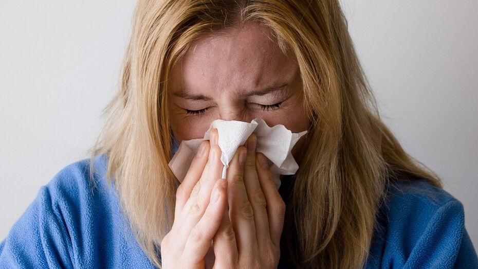 Симптомы ОРВИ проявились у половины воронежских пациентов с COVID-19