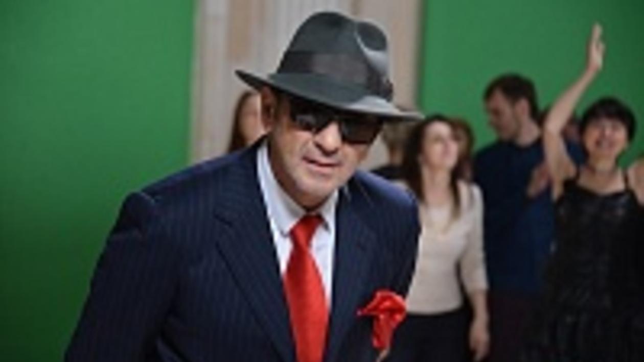 Григорий Лепс в Воронеже чистил ботинки на сцене и танцевал с розой на носу