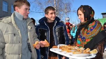 Студенты россошанского медколледжа испекли к Масленице больше тысячи блинов