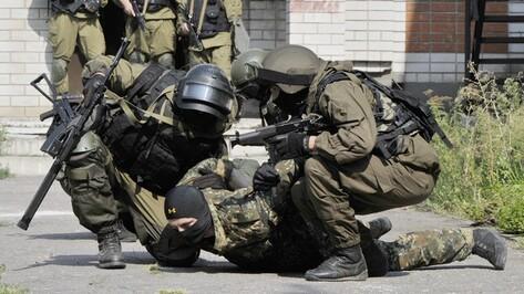 В Воронеже силовики ликвидировали условных «террористов» в здании налоговой службы