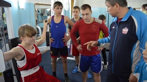 В Семилуках открыли бесплатный для детей тренажерный зал