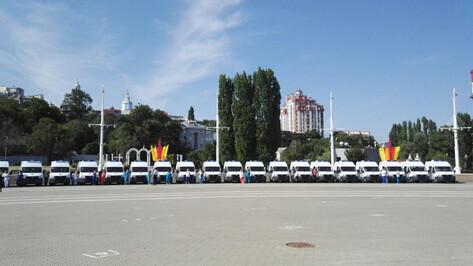 Медучреждения Воронежской области получили 95 машин «скорой»