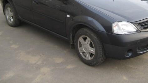Жительница Воронежа погибла под колесами Renault Logan