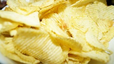 В Госдуму внесли законопроект о налоге на чипсы и газировку