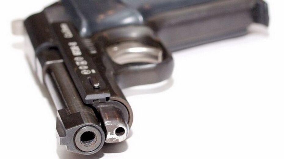 В Эртильском районе трое в масках ограбили кассу автозаправки