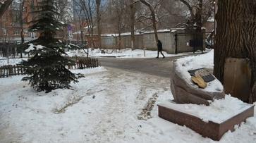 Парковка у памятника и стоит ли идти в армию: что обсуждают воронежцы в соцсетях