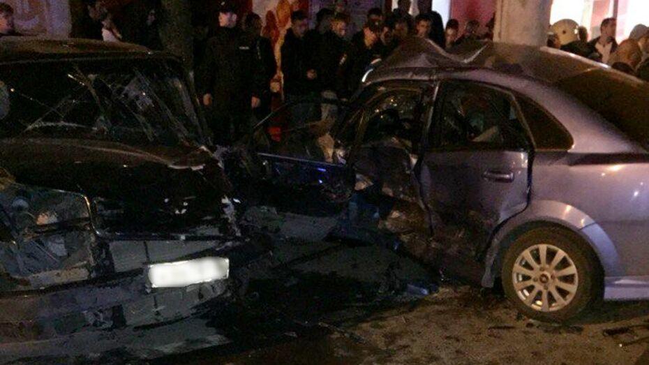 В Воронеже четверо пострадали в ДТП с 4 иномарками