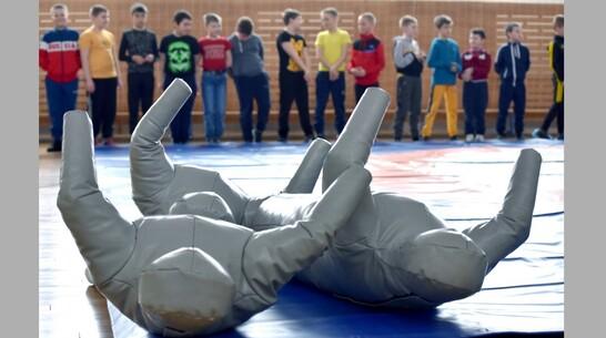 В Калаче открыли секцию греко-римской борьбы для мальчиков