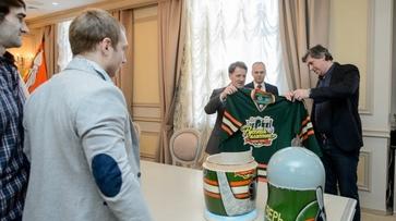 Алексей Гордеев поздравил воронежский «Буран» с победой в «Русской классике»