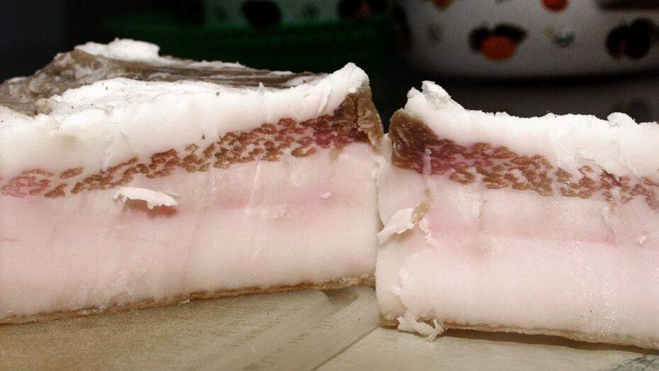 В Воронежской области мясокомбинат закрылся из-за 18 т сала без маркировки