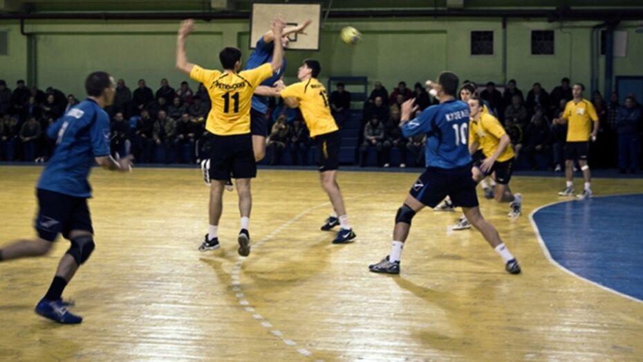«Энергия» на своей площадке переиграла челябинский «Локомотив»
