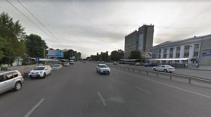 Движение по сторонам улицы Ворошилова в Воронеже будут поочередно перекрывать
