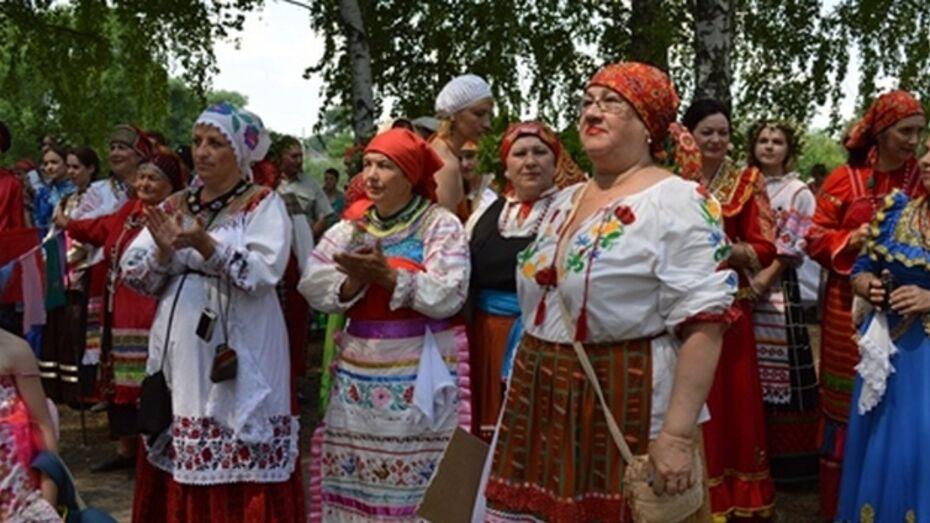 В Новой Усмани в шестнадцатый раз прошел фольклорный фестиваль «На Троицу!»