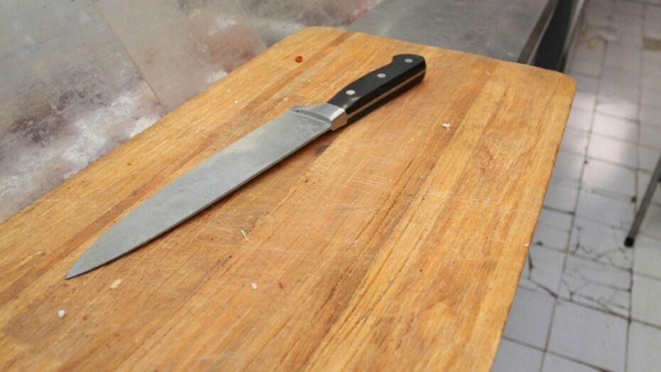 Пьяная жительница Воронежской области ударила ножом бывшего мужа