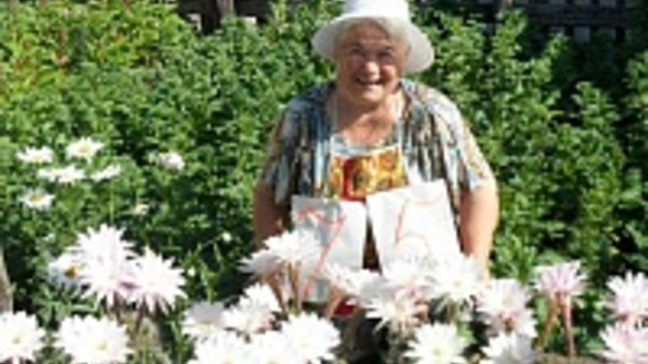 У павловчанки в день ее юбилея одновременно расцвели 30 кактусов