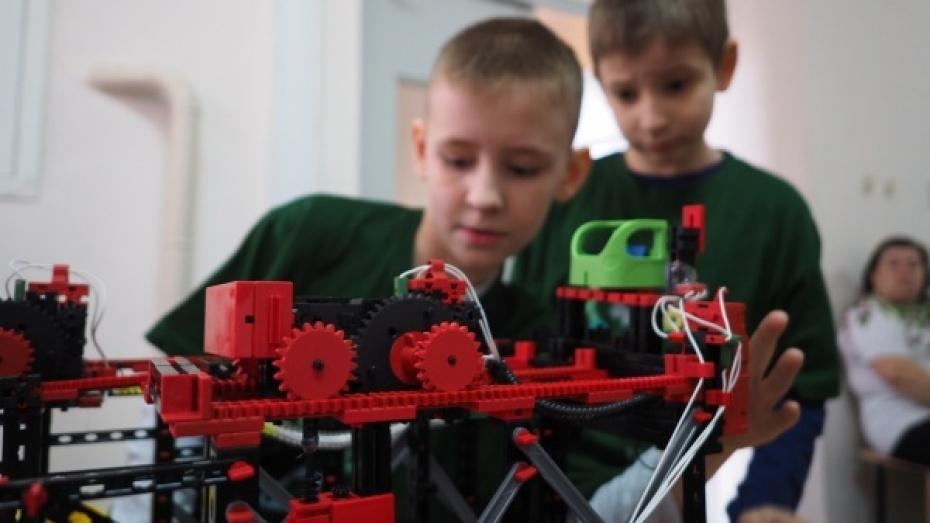 В воронежский технопарк «Кванториум» записались 350 детей