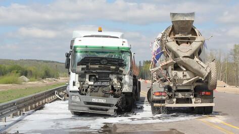 Водитель бензовоза не пострадал в столкновении пяти автомобилей на трассе М-4 «Дон»