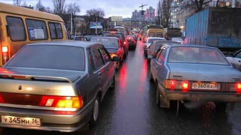 ДТП с автобусом спровоцировало пробку в центре Воронежа