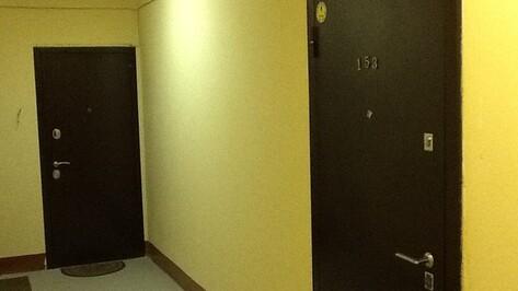 Пьяный воронежец поджег дверь собственной квартиры