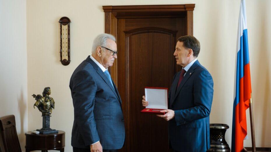 Губернатор вручил экс-мэру медаль «За труды во благо земли Воронежской»