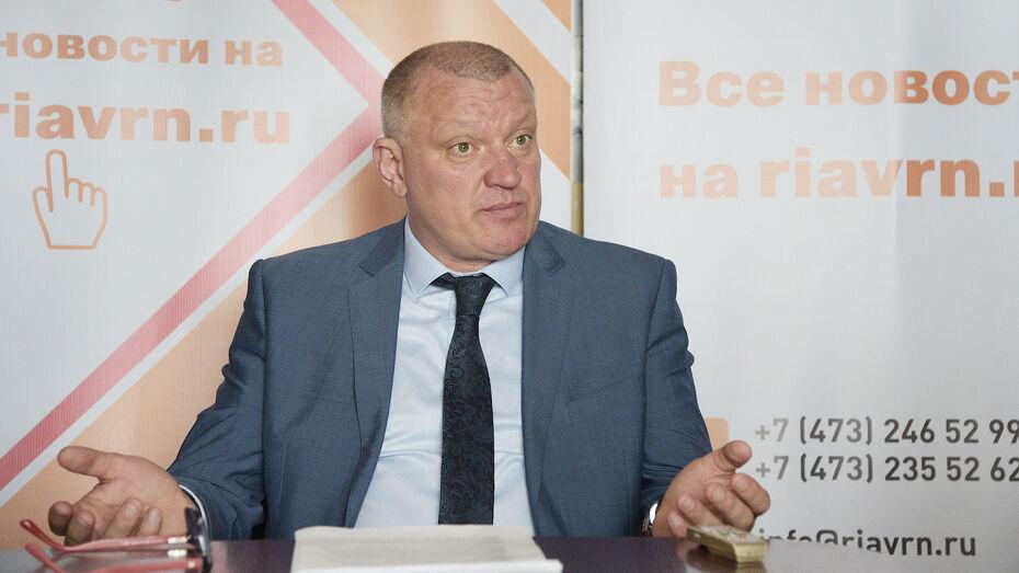 Глава воронежского спортивного департамента получил президентскую награду и ушел в отставку