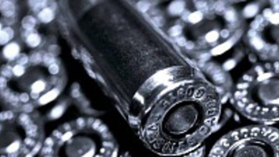 У жителя Верхнемамонского района нашли 2,5 килограмма пороха и 150 патронов