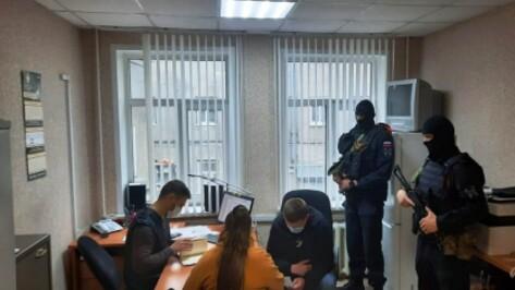 В Воронеже задержали афериста – организатора псевдоюридических фирм