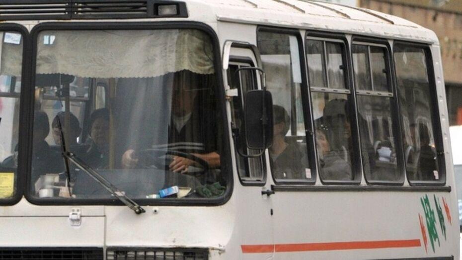 Под Воронежем умер почувствовавший себя плохо за рулем водитель автобуса