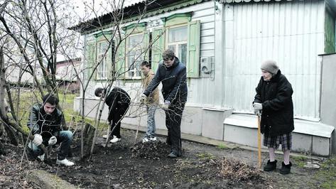 Россошанские студенты-волонтеры взяли шефство над 30 ветеранами