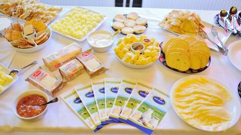 На завтраке с «Вкуснотеево» воронежцы узнали о производстве молочной продукции