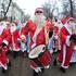 В масках и с антителами. Как работают воронежские Деды Морозы и Снегурочки в пандемию