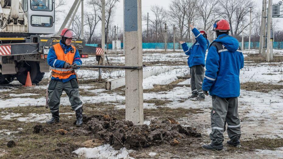 Воронежские энергетики устранили повреждения электросетей после шквального ветра