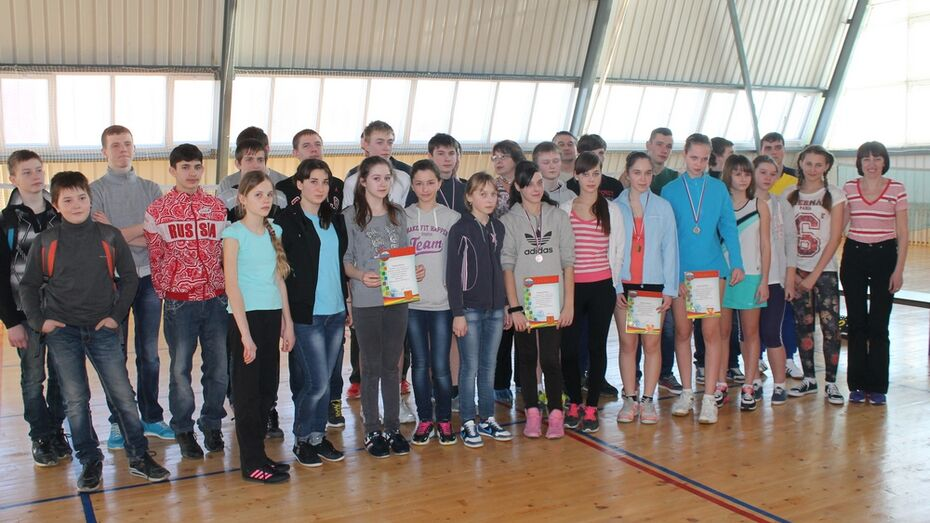 Верхнемамонские школьники стали третьими в зональном этапе Спартакиады по бадминтону