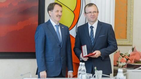 Губернатор Воронежской области поздравил коллектив газеты «Коммуна» с юбилеем