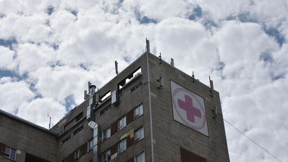 Воронежские врачи помогли женщине, которая 40 лет не могла повернуть шею