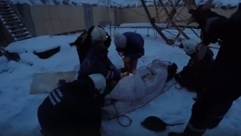 В сети появилось видео спасения пострадавших при падении стрелы крана в Воронеже
