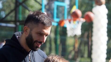 Звезда НБА Владимир Радманович в Воронеже: «Пусть дети тратят время и силы на тренировки»