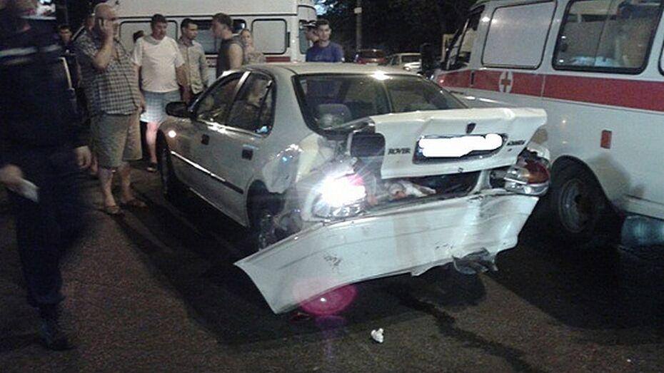 В Воронеже на 9 Января столкнулись три машины: мужчина в коме