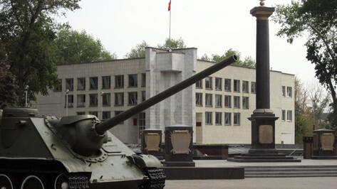 В Воронеже покажут военные картины липецкого художника