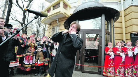 В Воронеже поклонников Есенина накормят кашей