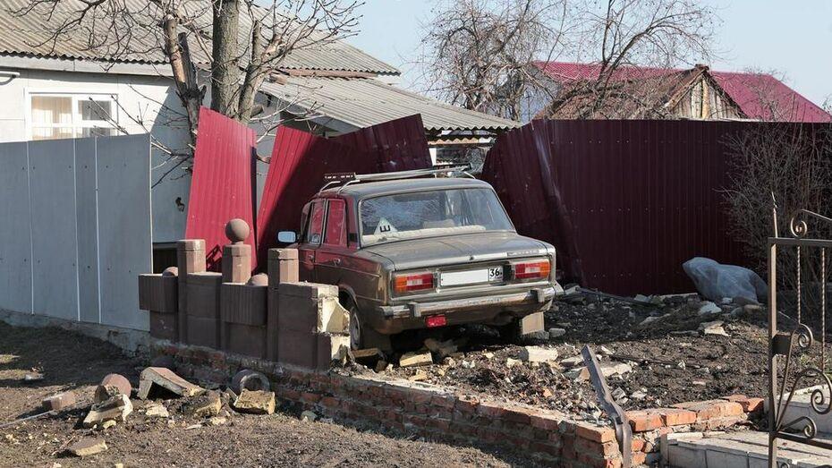 В Боброве мужчина угнал машину с сидящим в салоне ребенком