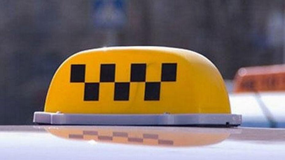 Житель Хохла создал в родном поселке службу такси