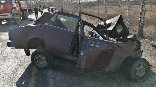 КамАЗ и «семерка» столкнулись в Воронежской области: 70-летний водитель погиб