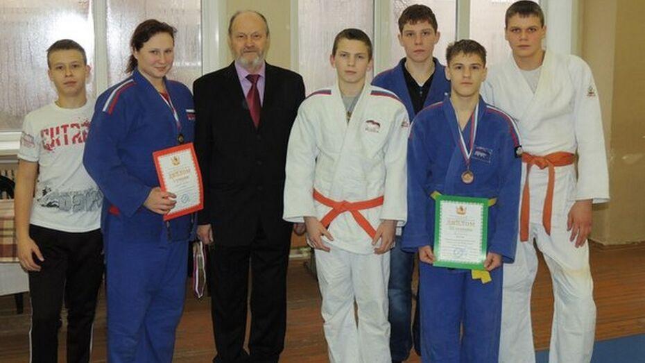 Поворинские дзюдоисты завоевали четыре областных награды
