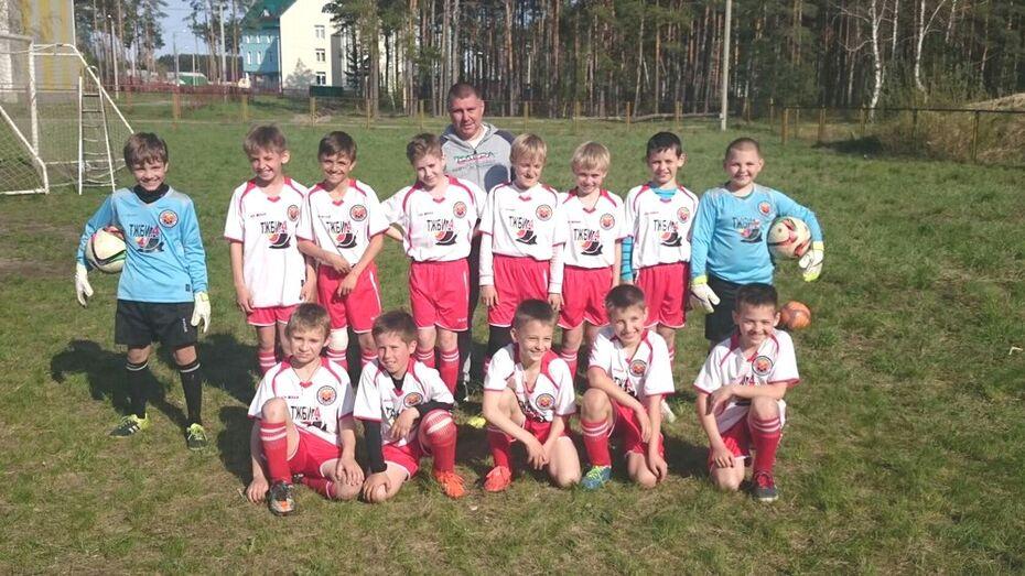 Семилукские футболисты победили в межобластном турнире
