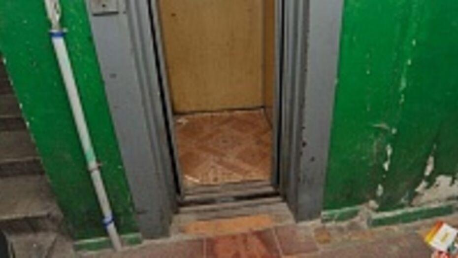В Воронеже задержан мужчина, грабивший девушек в лифтах